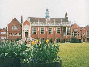 Jacobean architecture - Jacobean-style Dining Hall (Selwyn College, Cambridge)