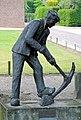 Sint Hubert, 'de ijzerbroekwerker', Marian van Puyvelde, 1994.jpg