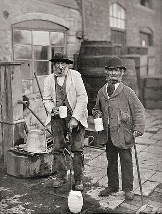Bidford-on-Avon - Image: Sippers and Topers c 1900 Stone