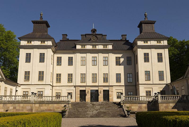 Sjö slott i juni 2014