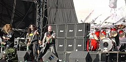 Slayer performing at the Reading Festival -- 30 August 2006 (cropped).jpg