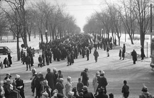 La Fontaine Park - Crowds at Lafontaine Park, 1938