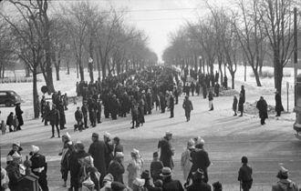 La Fontaine Park - Crowds at Lafontaine Park, 1938
