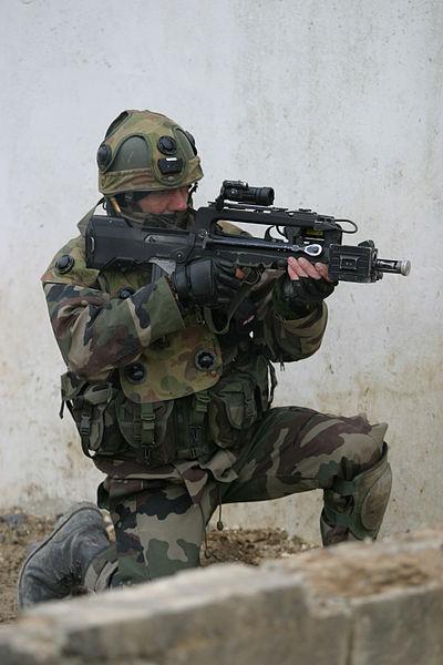 le CENZUB 400px-Soldat_français_au_CENZUB_2
