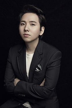South Korean Popera(Operatic pop) tenor Lim Hyung-joo on Jan. 2015 대한민국 출신의 팝페라테너 임형주 2015년 사진.jpg
