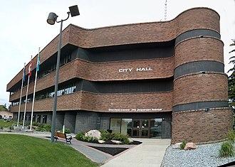Douglas Cardinal - Image: Spruce Grove City Hall