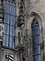 Staroměstská radnice, socha na kapli (08).jpg
