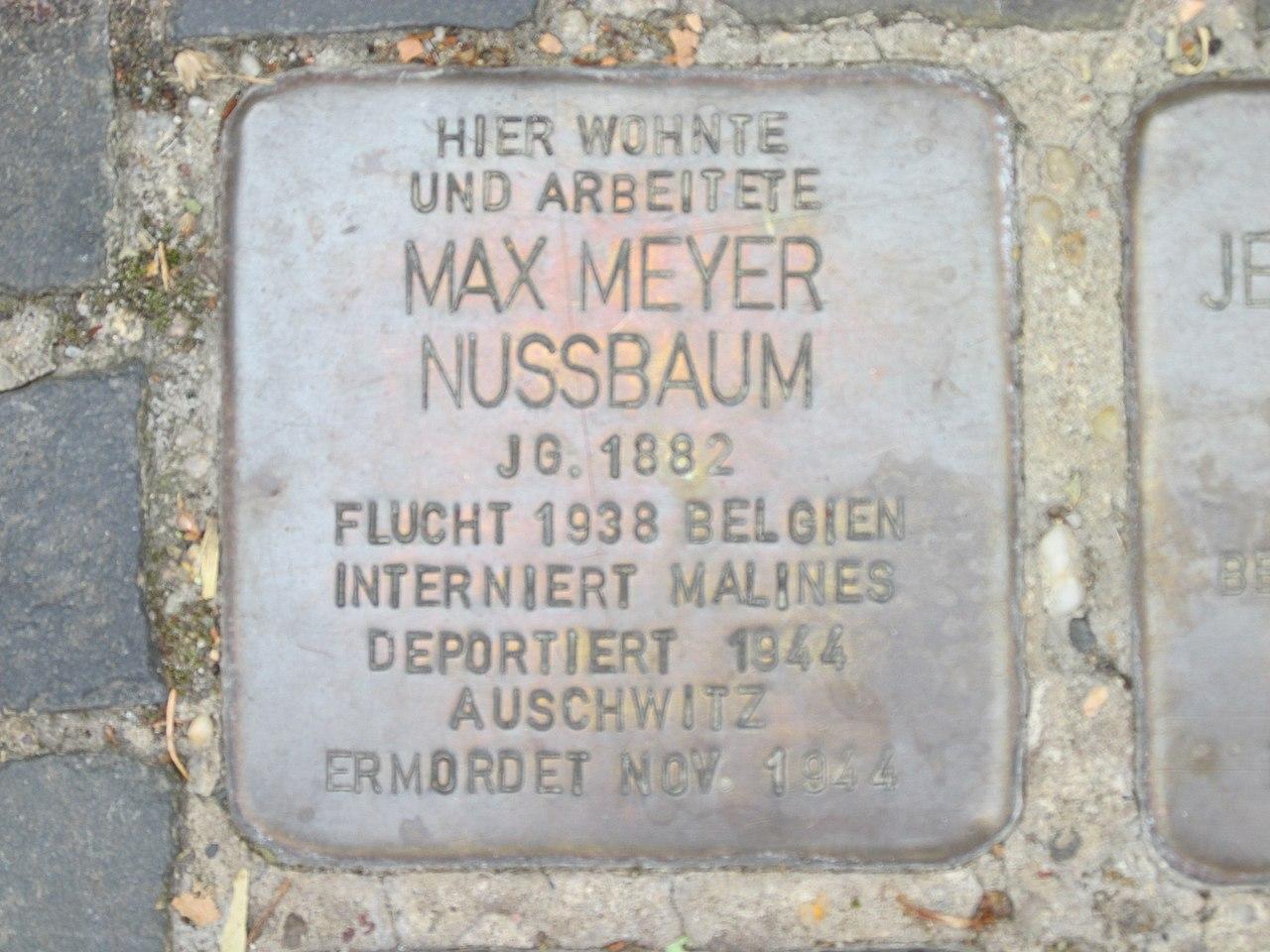 Stolperstein Max Meyer Nussbaum, 1, Burgstraße 40, Bitterfeld, Bitterfeld-Wolfen, Landkreis Anhalt-Bitterfeld.jpg