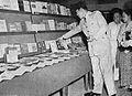 Sukarno looking at Naga Merah, Tambahan dan Pembetulan Pekan Buku Indonesia 1954, p22.jpg