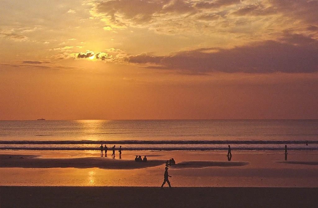 Sunset, Kuta Beach, Bali (13472318764)