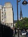 Sur le pont SNCF, Paris Goutte d'or (28058336944).jpg