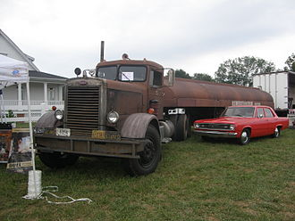 Duel (1971 film) - The surviving truck, a 1960 281 at a 2010 truck show, displayed with a Plymouth Valiant.