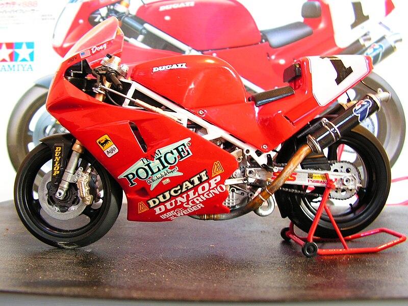 File:Tamiya model Ducati 888.jpg