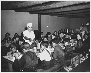 Peñasco, New Mexico - The hot lunch, school at Peñasco. 1941
