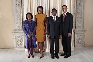 Teodoro Obiang Nguema Mbasogo - U.S. President Obama and Obiang with their wives in 2009 at a reception in New York