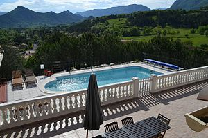 Terrace (building) - Image: Terrace villa de fleur