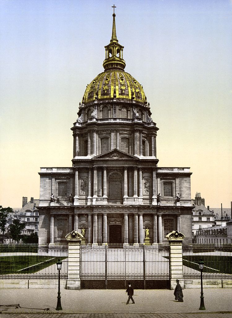 file the dome des invalides paris france between ca. Black Bedroom Furniture Sets. Home Design Ideas