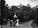 The fountain, Botanic Gardens, Sydney (2363503468).jpg