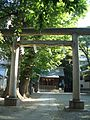 Torii (鳥居) at Tenso Shrine (天祖神社) - panoramio.jpg