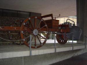 Museo Nazionale dell'Automobile - Image: Torino Museo dell'Automobile Riproduzione 7 10 del Carro di Cugnot