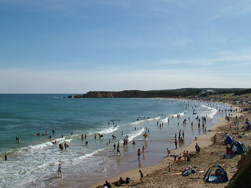 File:Torquay surf beach.jpg