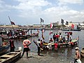 Traditional fishermen coming in to Tema harbour 06.jpg