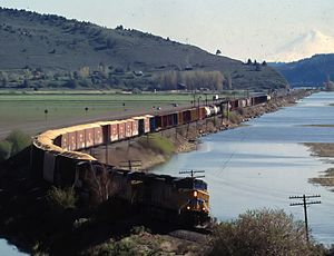 Algoma, Oregon - Train passing by Algoma