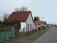 Trebesice(okres Kutna Hora) I. DomyUSilniceDoCirkvice.jpg