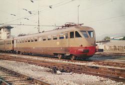 Treno locale per Lucca.jpg