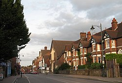 Tring High Street - geograph.org.uk - 1483079.jpg