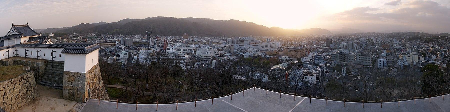 Tsuyama Castle01s5s5000.jpg