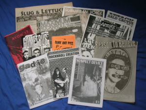 Selection of British and American punk zines, ...