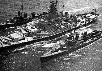 USS Massachusetts (BB-59) - Massachusetts refuels two ''Fletcher''-class destroyers, 1944
