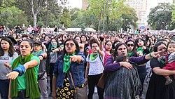 Un violador en tu camino - ensayo en la Alameda Central de la Ciudad de México.jpg
