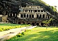 Undavalli-cave-temple.jpg