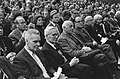 V.l.n.r J. Tinbergen, N. Tinbergen, S. Mansholt, mr. Kranenburg, burgemeester Sa, Bestanddeelnr 927-0387.jpg