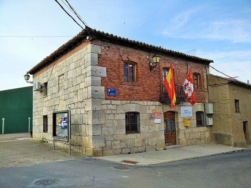 Casa consistorial de Villán de Tordesillas.