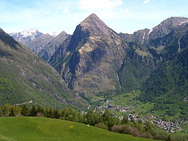 Olivone - Olivone at the feet of Sosto (2.221 m)