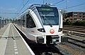 Veolia 351 naar Venlo-Nijmegen in Roermond (8714109755).jpg