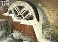 Vereistes Wasserrad an der Haarmühle in Ahaus, Ortsteil Alstätte.jpg