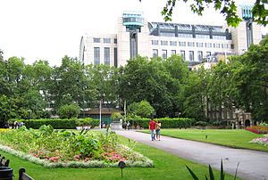 Victoria Embankment Gardens - Victoria Embankment Gardens and Charing Cross railway station