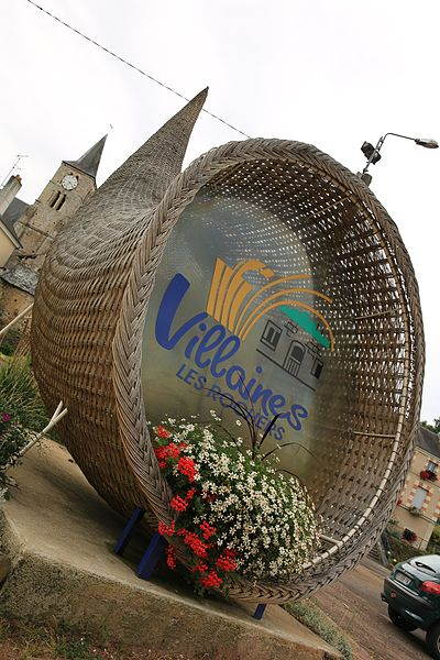 Cornucopia in the basketry village of Villaines-les-Rochers.