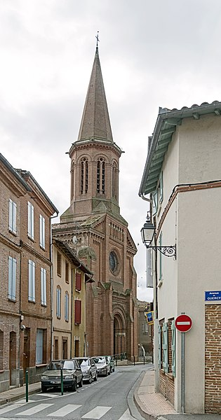 English:   Villemur-sur-Tarn. St. Michael's Church.Facade and bell tower.  Architect :Jacques-Jean Esquié