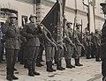Vojnici docekuju Tita u Pirotu.jpg