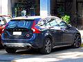 Volvo V60 2.0T Plus 2011 (15322930129).jpg