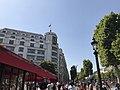 Vue depuis le Fouquet's sur les Champs-Elysées.jpg