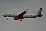 Vueling, EC-LVO, Airbus A320-214 (18425265334).jpg
