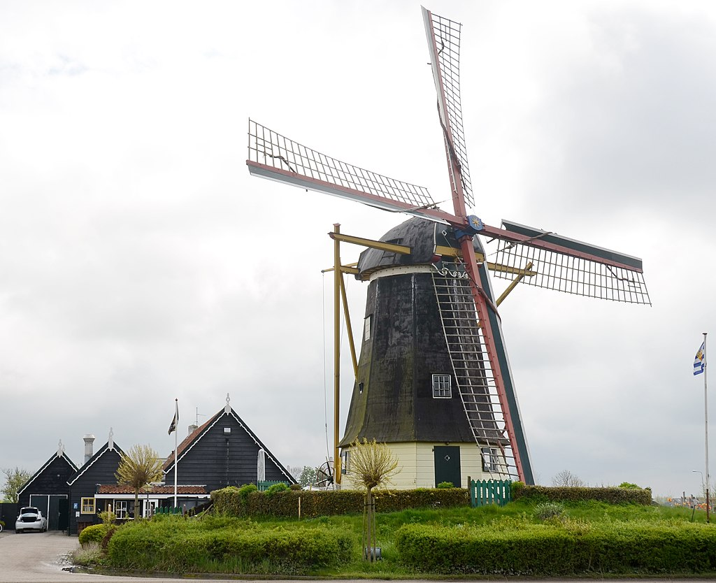 "Windmill for flowerproduction ""de jonge Johannes"" built in 1835 at Serooskerke - panoramio"