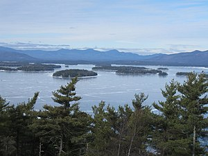 English: View of Lake Winnipesaukee in New Ham...