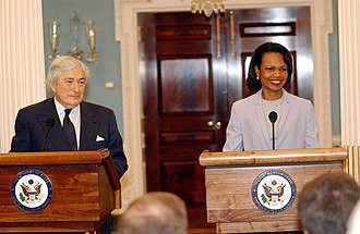 James Wolfensohn - Wolfensohn speaking at a press conference with Condoleezza Rice in 2006.